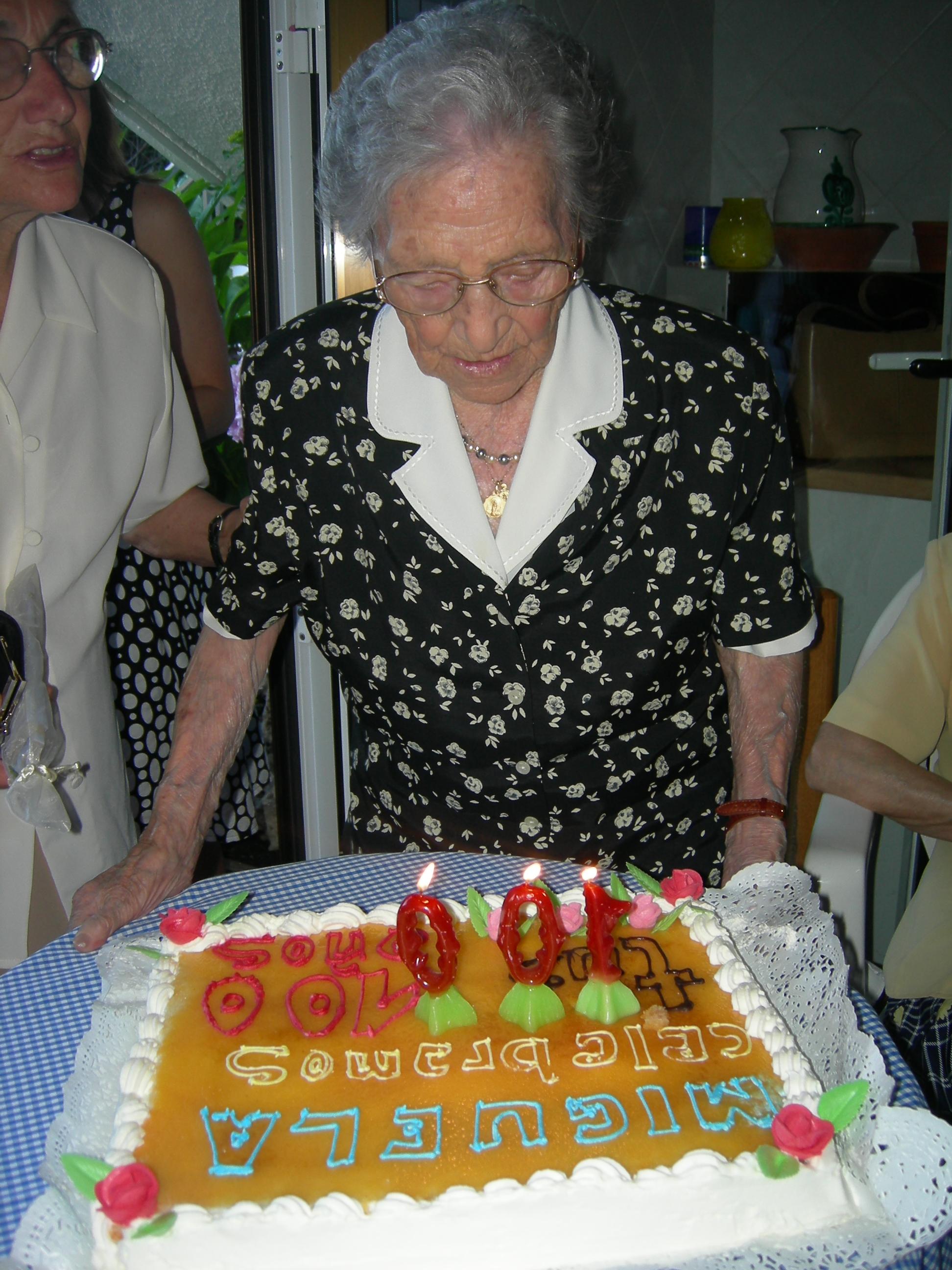 Mi Abuela Cumple 100 Años Siempre Amanece